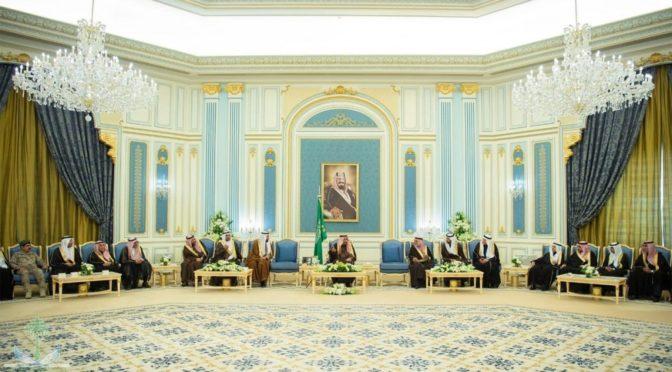 Король Салман принял высокопоставленных чиновников Министерства здравоохранения