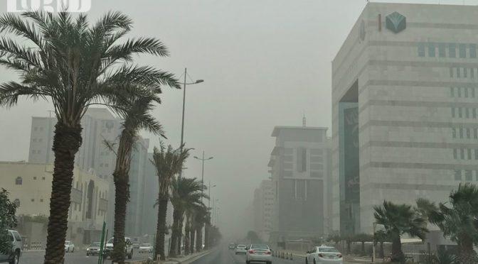 На Эр-Рияд надвигается песчаная буря, метослужба публикует предупреждение