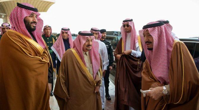 Служитель Двух Святынь направился в Шарм ал-Шейх, наследный принц попрощался с ним у трапа самолёта
