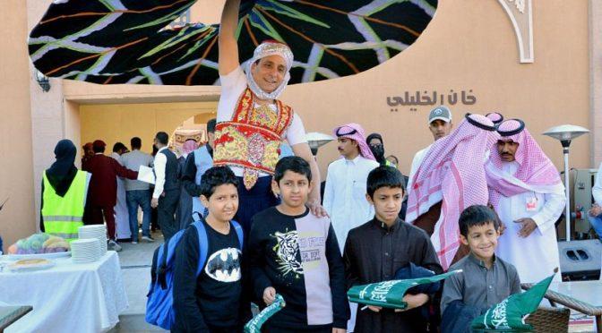 Глава совета управляющих клуба любителей верблюдов принял сыновей павших мученниками на фестивале верблюдов им.Короля Абдулазиза