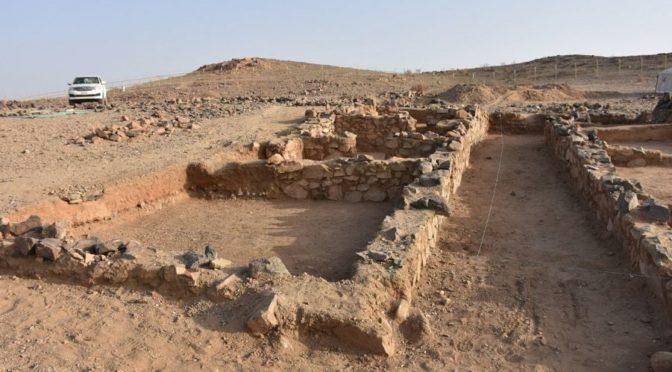 Комитет по туризму завершил работы по раскопкам третьей погребённой в песках мечети в округе Биша провинции Асир