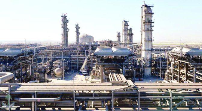Крупнейший в мире нефтяной танкер прибыл в промышленный порт Янбу