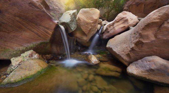 вади Ладжаб: водопады и висячие сады дарят посетителям удовольствие и красоту