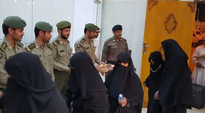 Паспортно-визовая служба КПП аль-Вадаийя первых паломников из семей павших мученников Йеменской армии и народного сопротивления