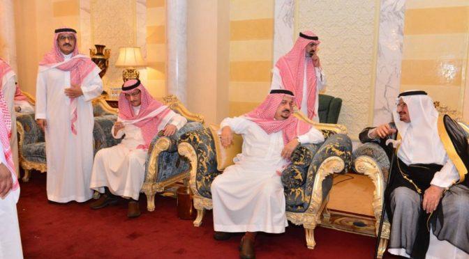 Сыновья принца Бандара бин Абдулазиза принимают соболезнования в связи с кончиной их отца, да помилует его Аллах