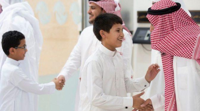 Более 1000 учащихся приступили к занятиям в рамках программ по попечению сирот округа Хафра Батин