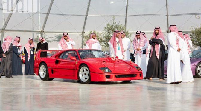 Наследный принц посетил автомобильную выставку в Эр-Рияде