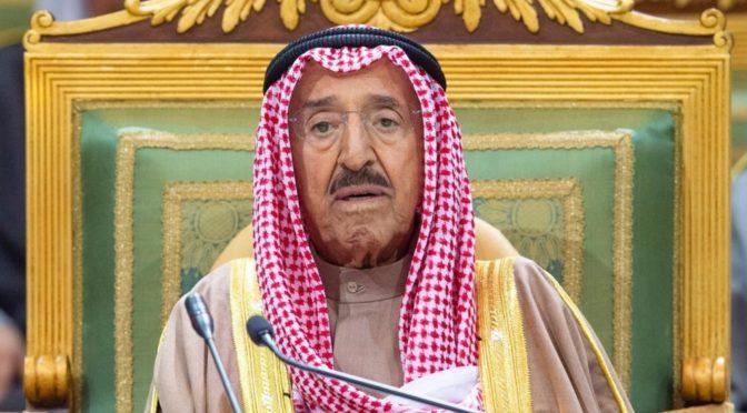 Отеческая картина, запечатлевшая наследного принца и эмира Кувейта вызвает восхищение