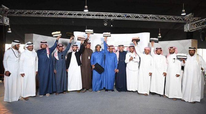 Люди с ограниченными возможностями участвуют в фестивале соколов им. короля Абдель Азиза