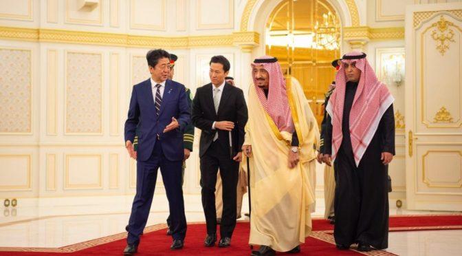 Король Салман принял премьер-министра Японии и дал торжественный обед в его честь