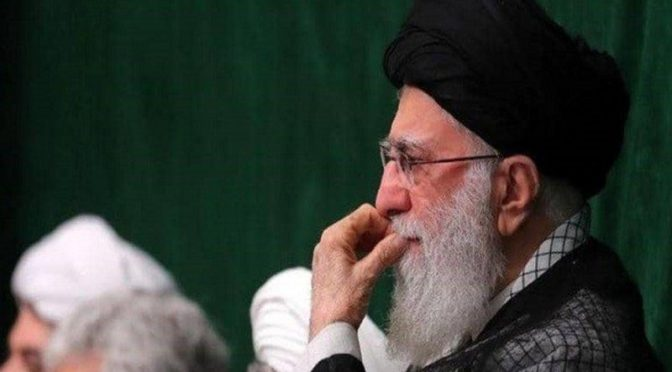 Twitter закрыл аккаунт Хоменеи