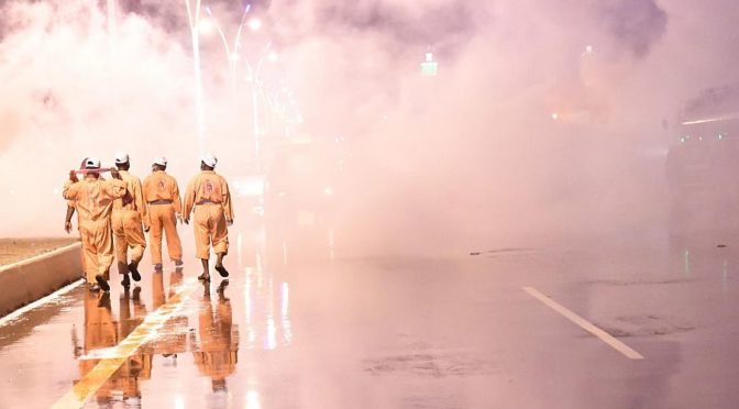 Фотокорреспондент «ВАС» запечатлел работы о уборке и дезинфекции улиц и жилых районов округа Дарба