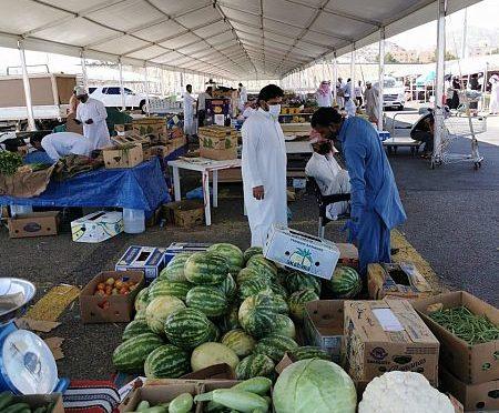 Овощные и фруктовые рынки Мекки обеспечивают жителей всем необходимым