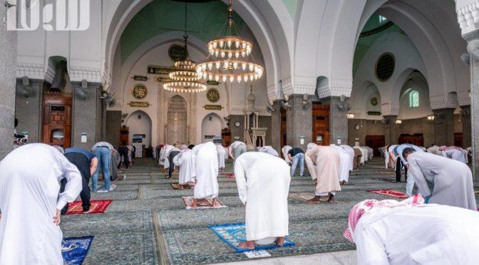 «Сабк» запечатлел радость молящихся, вернувшихся в мечеть аль-Куба