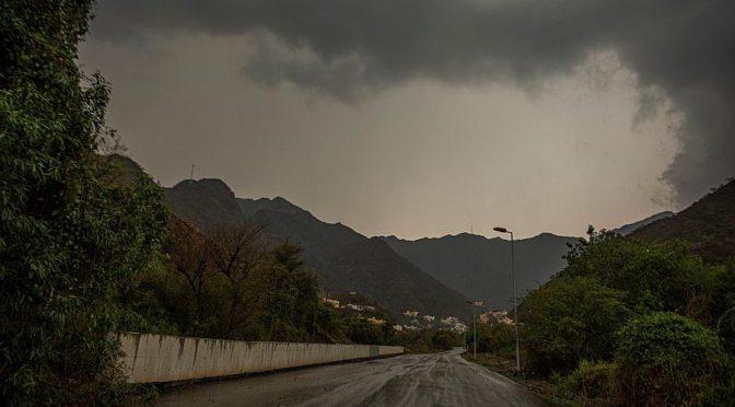 По окончании дождей восстановлено движение по шоссе аль-Худа