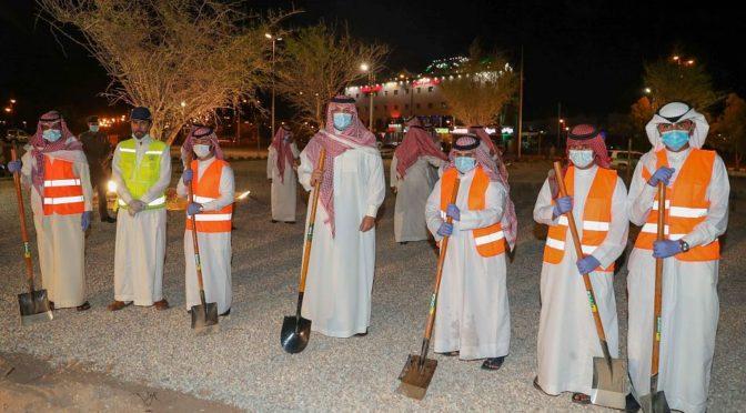 Его Высочество губернатор Северной пограничной провинции посадил первое дерево озеленительного проекта «Площадь ас-Сидр»