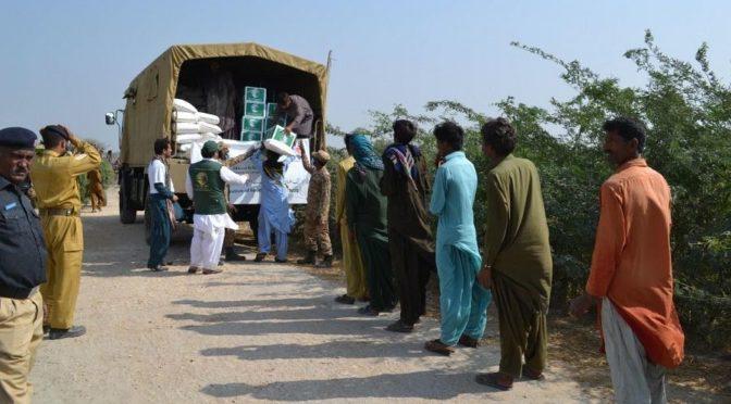 Центр гуманитарной помощи им.Короля Салмана распределил 37 тонн  продуктовых корзин пострадавшим от наводнения в провинции Синд в Пакистане