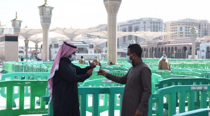 Мечеть Пророка: атмосфера веры и мер предостороженности