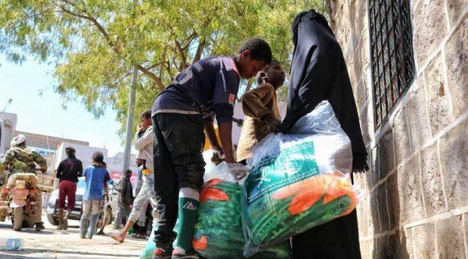 ЦСГД им. короля Салмана распределил продовольственные корзины весом 694 тонны в йеменской провинции Хаджа