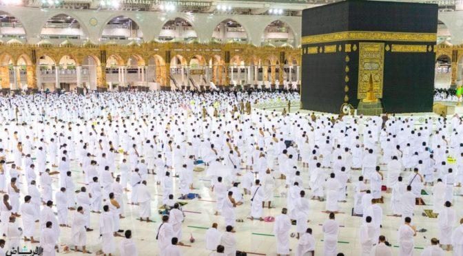 Тысячи молящихся совершили ночные молитвы  27 Рамадана в Запретной Мечети