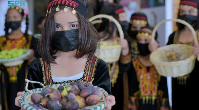 Аэропорт им. Короля Сауда в Баха встречает прбывающих подарками, цветами и сезонными фруктами