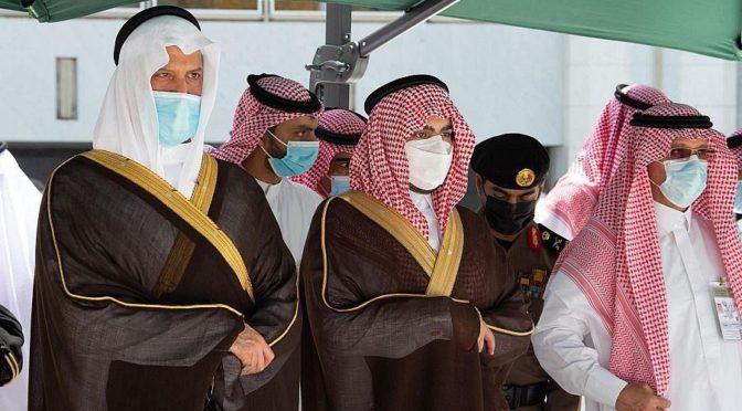От имени Служителя Двух Святынь губернатор провинции Мекка возглавил церемонию мытья Почтенной Каабы